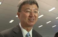 王健林新闻发布会答爱奇艺记者提问